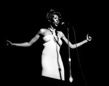 13-Leni-Sinclair-Aretha-Franklin-1976